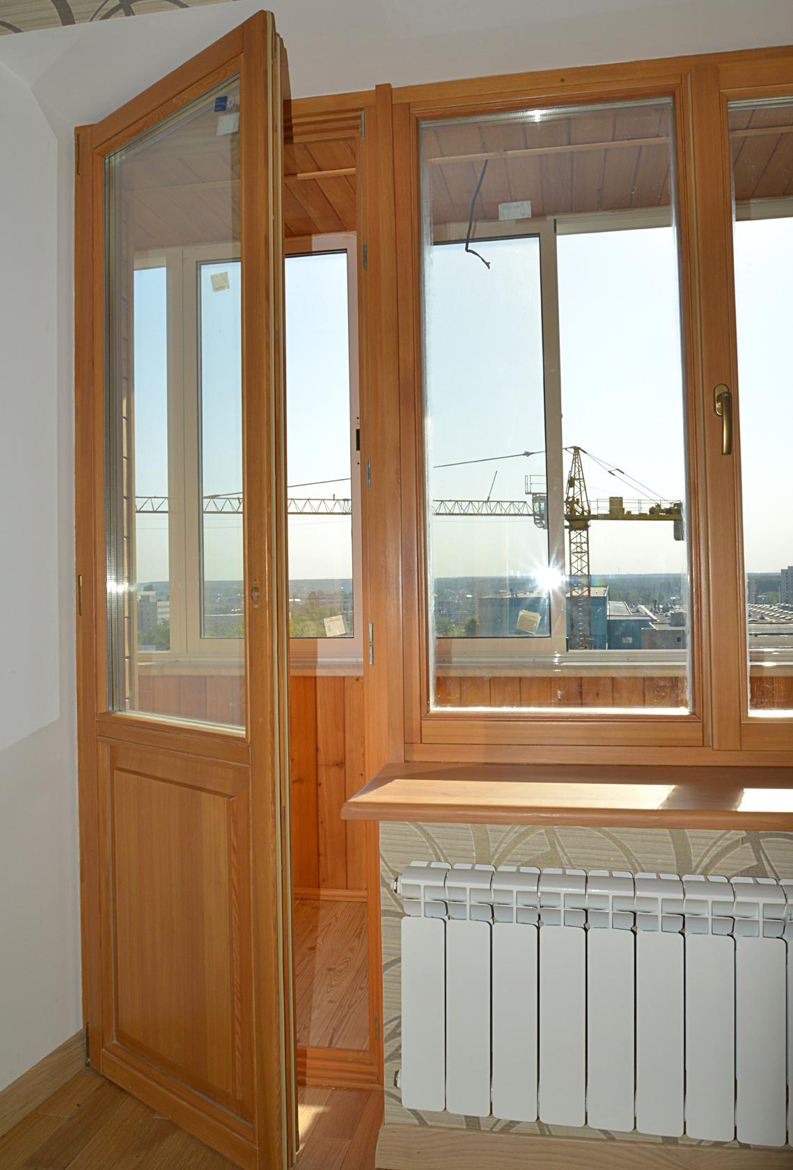 Деревянные евро окна на лоджию - академия окон.