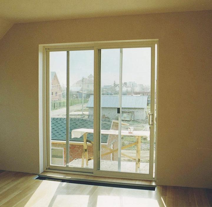 Стеклопакеты и дверные проемы на балкон фото..